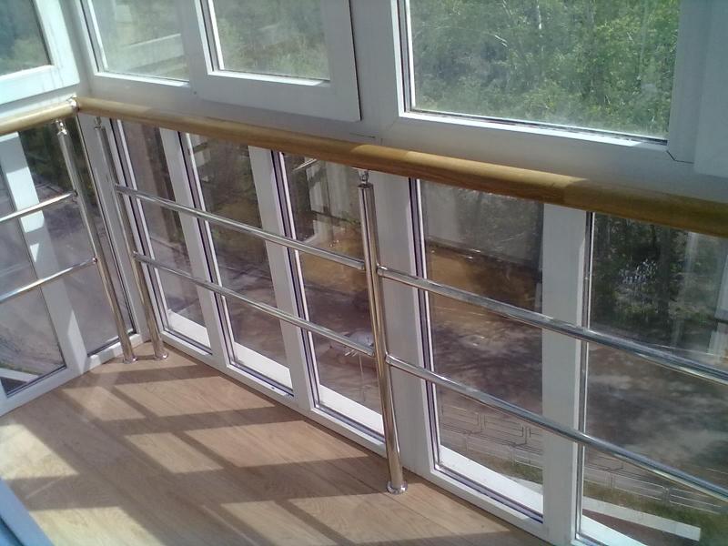 Алюминиевое ограждение балкона..